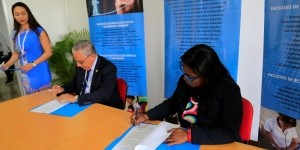 destacada firma de convenios entre UO y UDELAS
